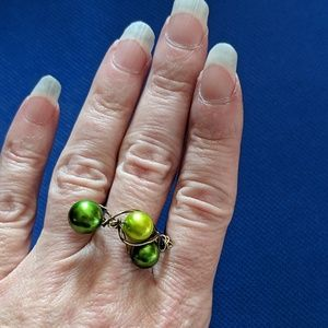 Jewelry - NWOT Handcrafted Ring w Vintage Green Beads Size 9